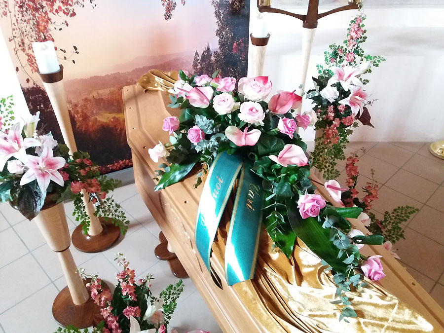 Arte Floreale Funeraria Scuola Corsi individuali Arte Floreale Funebre MI